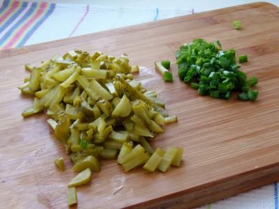 Салат из консервированных кальмаров - 3.JPG