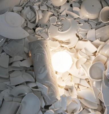 Фарфоровая посуда превращается в мебель: переработанный фарфор - 7.jpg