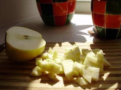 Яблочно-фисташковый салат - 03_jablochno-fistashkovyj_salat_s_kinzoj.jpg