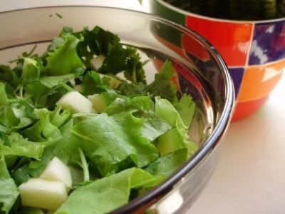 Яблочно-фисташковый салат - 04_jablochno-fistashkovyj_salat_s_kinzoj.jpg