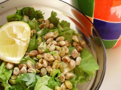 Яблочно-фисташковый салат - 06_jablochno-fistashkovyj_salat_s_kinzoj.jpg