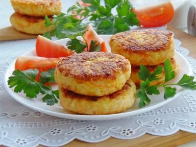 Котлетки рисовые с сыром и овощами - 11.JPG