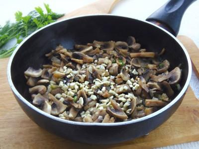 Стручковая фасоль с грибами и сыром - 3.JPG