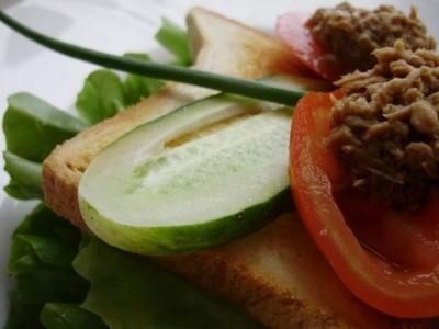 Любимые рецепты бутербродов со свежими овощами - 08_buterbrody.jpg