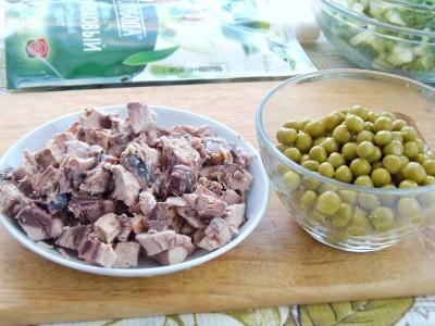 Салат с тунцом - 4.JPG