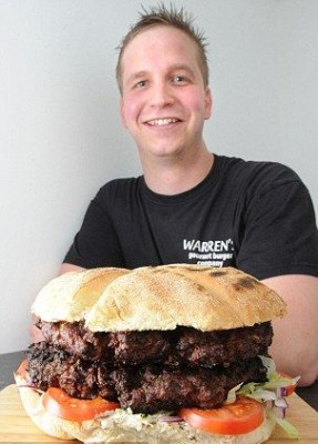 Burger Beast meal или зверский аппетит - article-2168672-13EB59E8000005DC-281_306x436.jpg