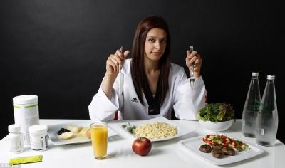 Что на самом деле едят олимпийские чемпионы - article-0-13C43D75000005DC-588_964x569.jpg