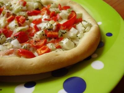 Постная пицца с маринованными огурцами - P7176010.JPG