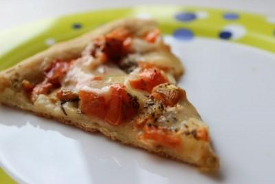Пицца Маргарита : как вы готовите? - 01_picca_iz_testa_na_rassole.JPG