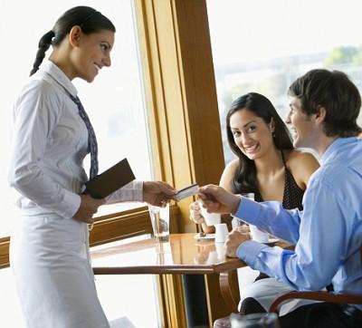 Аппетит официантов растет - tips.jpg