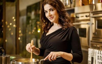 55 - возраст самых искусных женщин-поваров - nigella2_2367335b.jpg