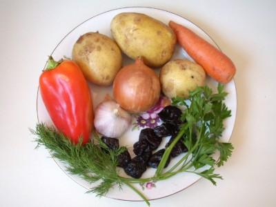 Свинина с овощами и черносливом в горшочках - DSCN3131.JPG
