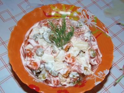 Салат Оливье  - оливье с майонезом.JPG