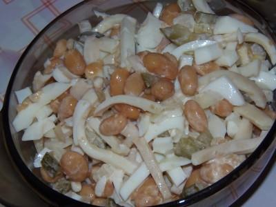 Салат с белой фасолью и кальмарами - салат с фасолью.JPG