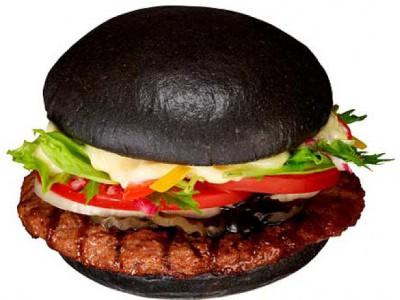 Бургер с древесными углями и чернилами осьминога - article-2208321-152E9CD6000005DC-771_634x476.jpg