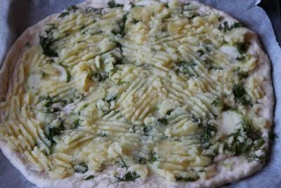 Пицца картофельная на тонкой основе из теста рассольного  - IMG_0937.JPG