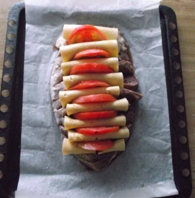 Гармонь - тальяночка из свинины - mjaso s syrom zavernutym i pomidorami 6.jpg
