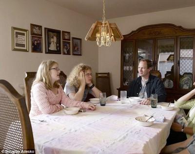Что и как едят американские семьи - article-2337808-1A2F6DF6000005DC-409_634x502.jpg