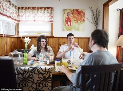 Что и как едят американские семьи - article-2337808-1A2F6DFB000005DC-414_634x471.jpg