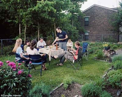 Что и как едят американские семьи - article-2337808-1A2F6E06000005DC-828_634x507.jpg