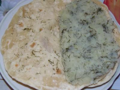 Лаваш с картошкой или вариант кыстыбая - кыстыбый.JPG