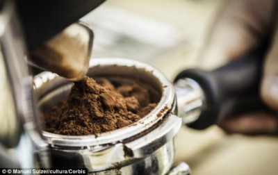 Алкогольный напиток из кофейной гущи - article-2388035-1B384A13000005DC-486_634x399.jpg