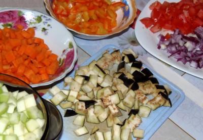 Фасоль с овощами в мультиварке - ингредиенты.JPG