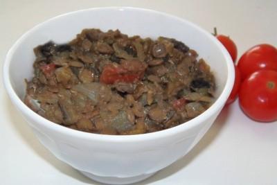 Овощной суп с зеленой чечевицей - чечевичное пюре с тушеными баклажанами, томатами и луком.jpg