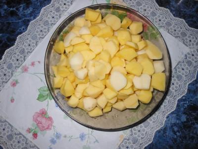 Овощное рагу с картофелем и яблоками - картошка.jpg