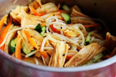 фучжи с рисовой лапшой и овощами - IMG_1401.JPG