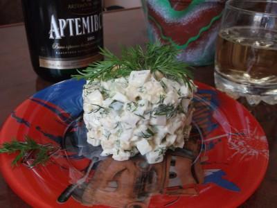 Салат из консервированных кальмаров - Салат из консервированных кальмаров.jpg