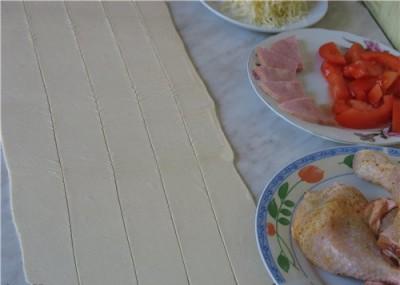 Фаршированные куриные бедрышки в слоёном тесте - Фаршированные окорочка запечённые в тесте 2.jpg