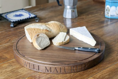 Разделочные доски - Engraved_Walnut_Cheese_Board_-_The_Chopping_Block_Co._grande.jpg