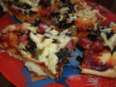 Пирожки и пицца на быстром дрожжевом тесте - Пицца5.JPG