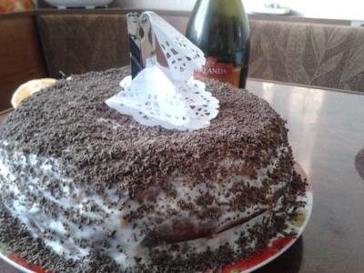 Шоколадный торт с абрикосовой прослойкой - торт.jpg