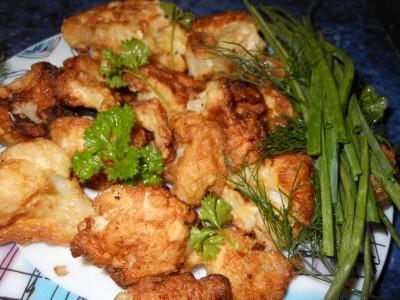 Рецепты блюд из цветной капусты - капуста с зеленью крупным планом.jpg