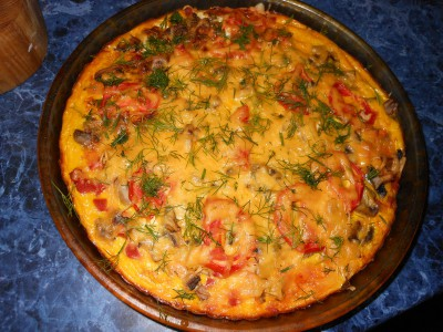 Пирожки и пицца на быстром дрожжевом тесте - готовая пицца.jpg