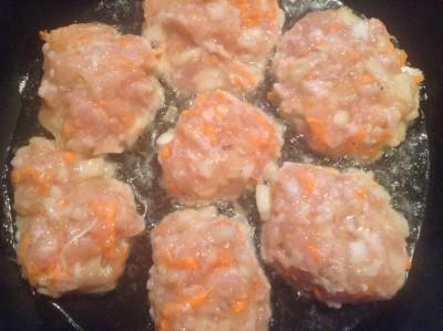 Котлеты из курицы с грибами - 5.jpg